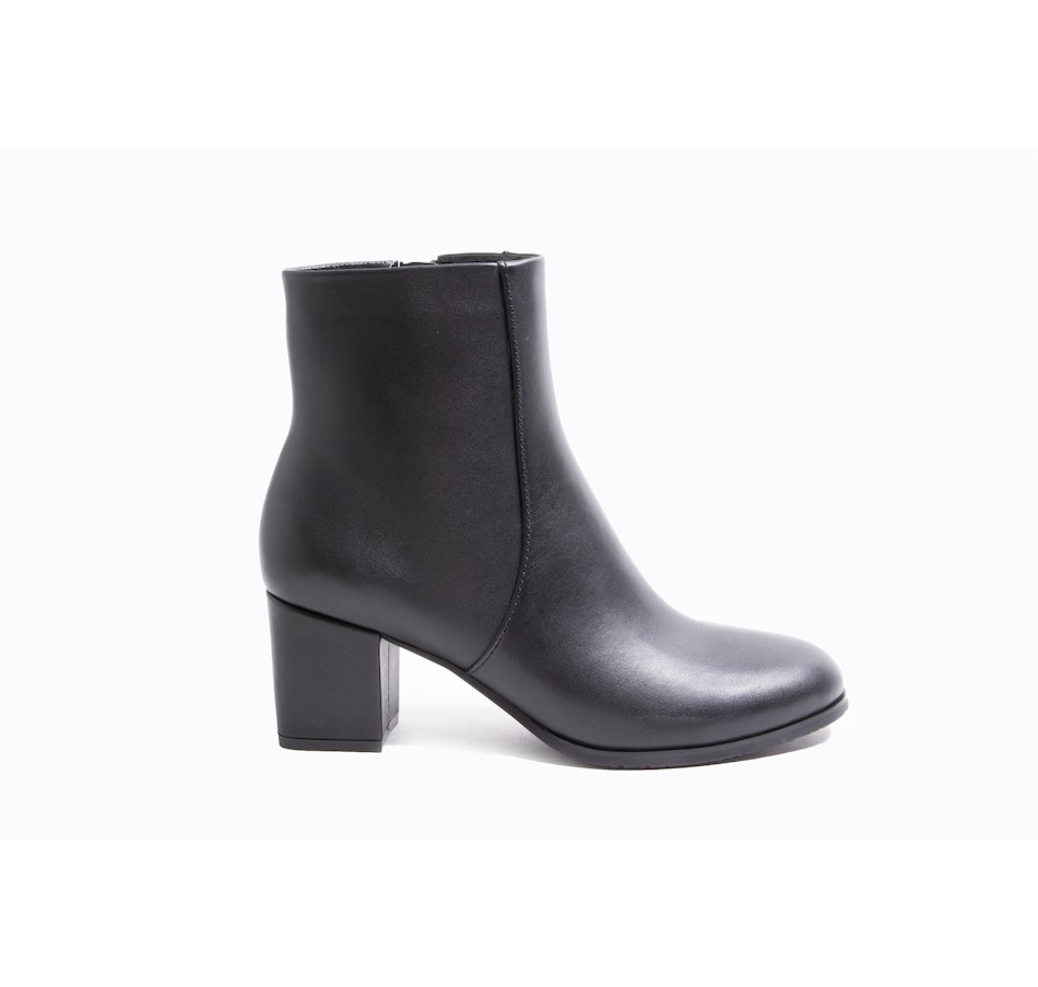 Image 407156_BKH.jpg , Product 407-156 / Price $79.33 , Blondo Deliah Leather Ankle Boot from Blondo  on TSC.ca's Shoes & Handbags department
