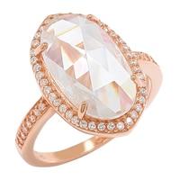 Bague habillée parée d'un similidiamant en forme de goutte sur argent sterling rhodié de la collection Caroline Creba for Diamonelle