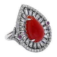 Bague parée d'un jade rouge et de rubis sur argent sterling de Jade of Yesteryear