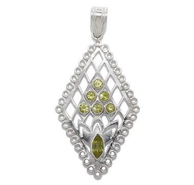 Pendentif Himalayan Gems en argent sterling orné de péridots, avec chaîne