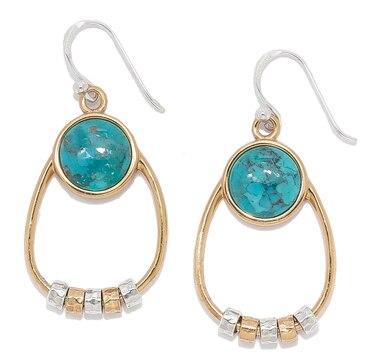 Pendants d'oreille ornés de turquoises et de perles tournantes sur en argent sterling de Studio Barse