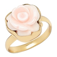 Bague parée d'une rose en nacre rose sculptée de Alchemía by Charles Albert