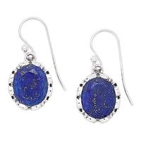 Pendants d'oreille parés de lapis-lazuli sur argent sterling de Himalayan Gems