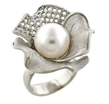 Sterling Silver Pearl Flower Ring