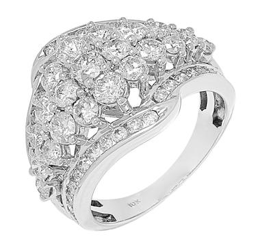 10K White Gold Diamond Graduated Cluster Ring