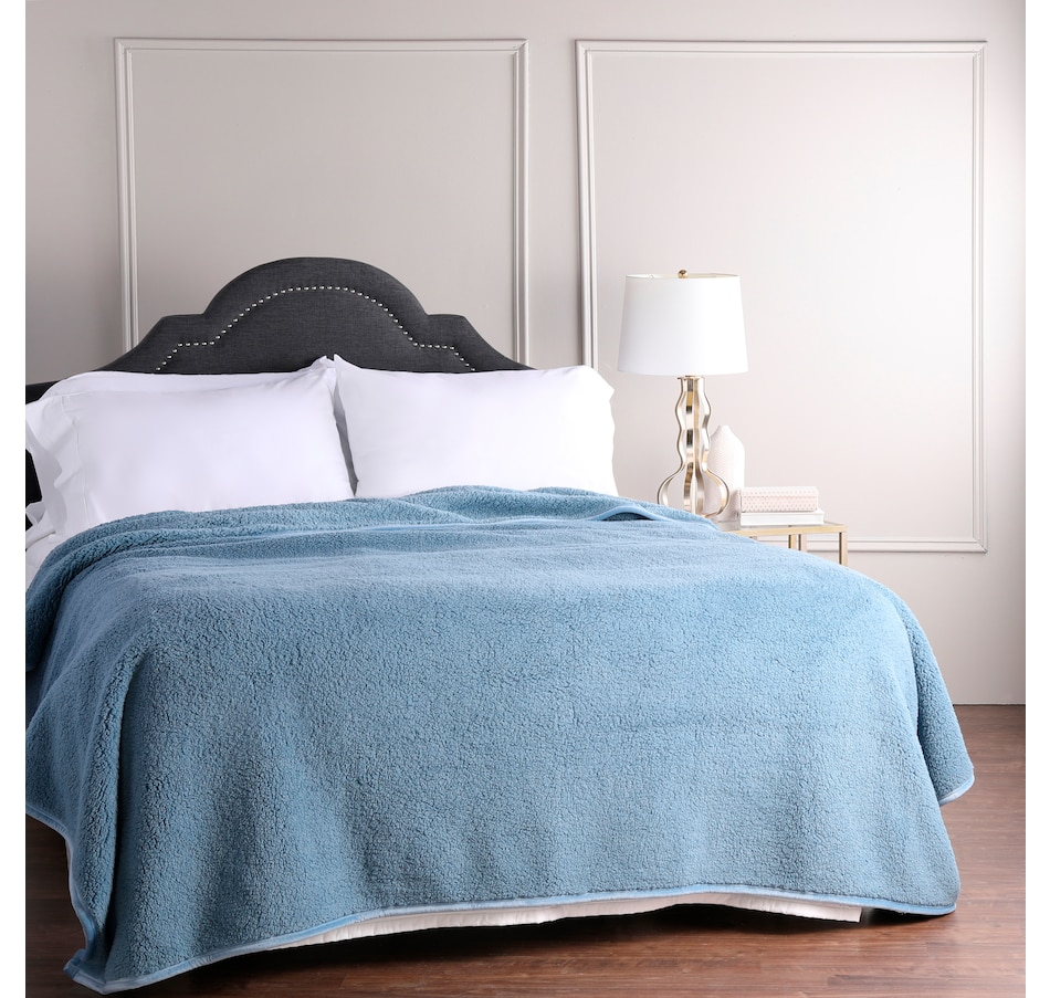 Image 505535_BLU.jpg , Product 505-535 / Price $39.99 - $59.99 , HomeSuite Sherpa Blanket from HomeSuite Collection on TSC.ca's Home & Garden department