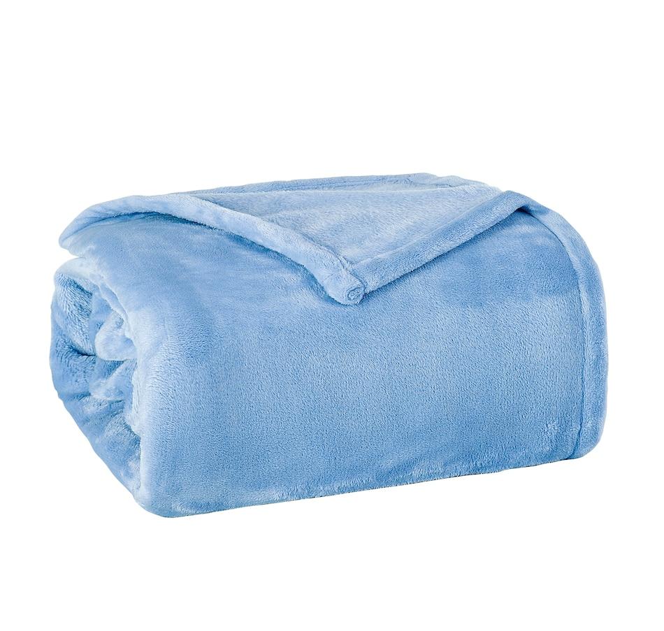 Image 505884_LTB.jpg , Product 505-884 / Price $19.88 - $24.88 , Hudson & Main Plush Blanket from Hudson & Main Bedding on TSC.ca's Home & Garden department