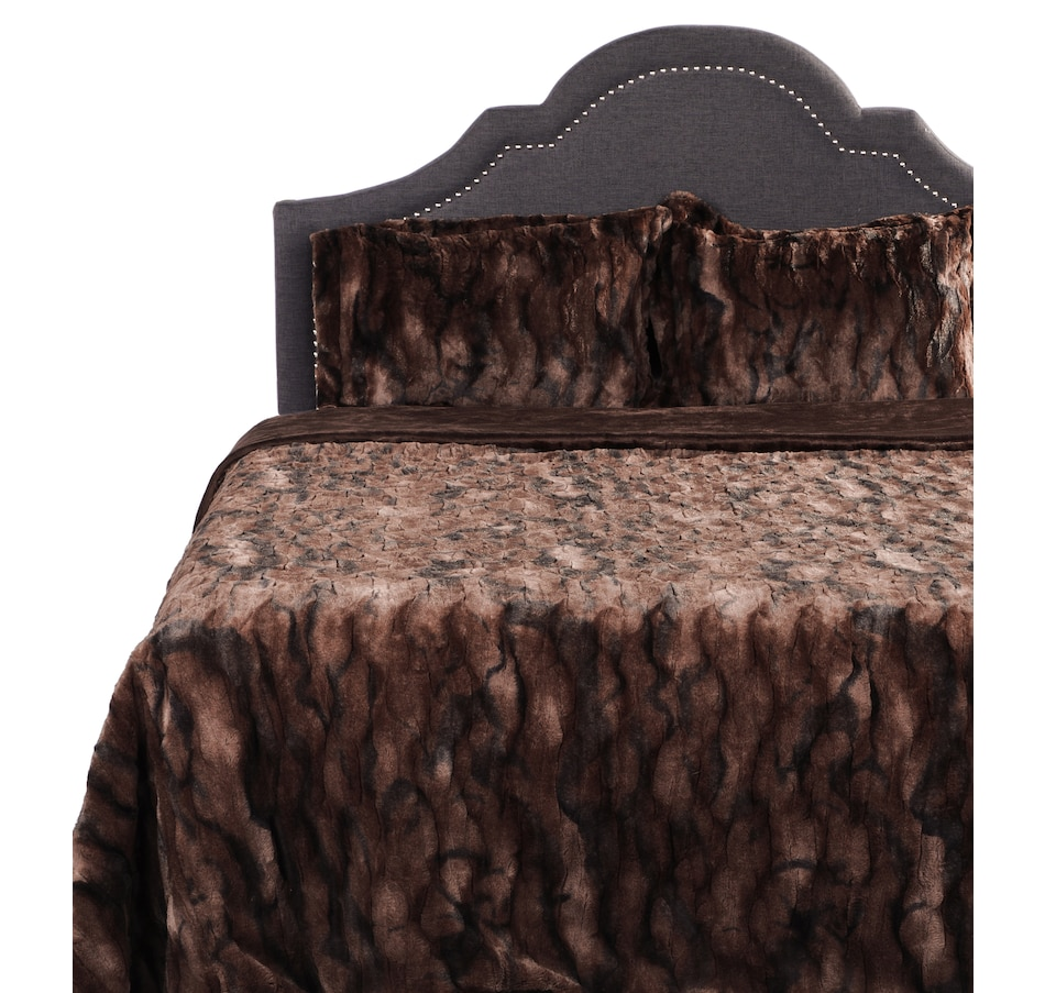 silver luxury brown lifestyle fur faux husky comforter