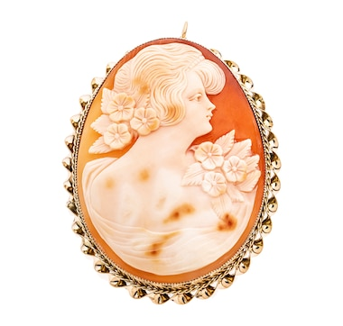 Estate Originals 10KT Yellow Gold Oval Shaped Shell Cameo Brooch/Pedant with Rope Design Frame