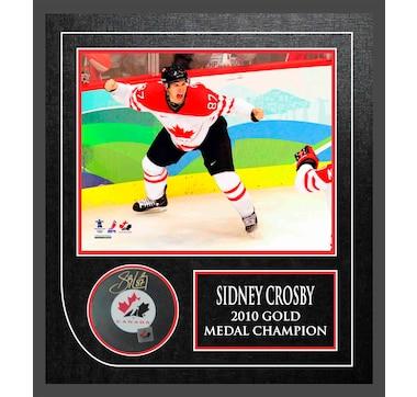 Frameworth Sidney Crosby Signed Puck …Canada Framed w Canada 2010 8x10 350c4414a5a